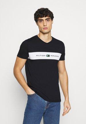 NEW LOGO TEE - Print T-shirt - desert sky