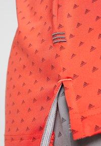 adidas Golf - Polotričko - real coral/grey - 5