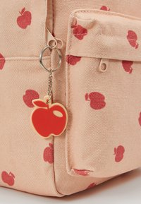 TINYCOTTONS - APPLES BACKPACK - Batoh - nude/burgundy - 2