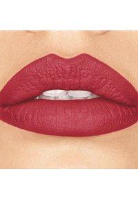 bareMinerals - STATEMENT MATTE LIQUID LIPCOLOUR - Liquid lipstick - naughty - 1