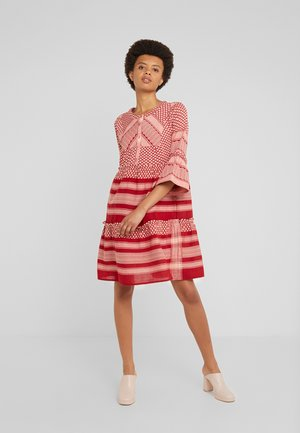 JADE - Shirt dress - raspberry