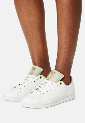 STAN SMITH W - Joggesko - white/halo green/gold metallic