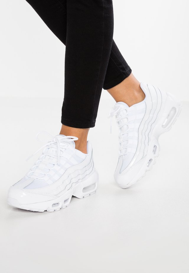 AIR MAX - Sneakersy niskie - white