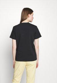 Alexa Chung - EARRING BOXY TEE - T-Shirt print - black - 2