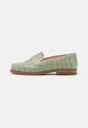 Loaferit/pistokkaat - verde