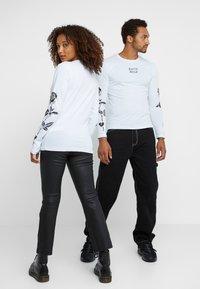 Pier One - UNISEX - Långärmad tröja - white - 2