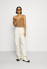 ONLY - ONLPELLA SINGLET - Topper - toasted coconut - 1