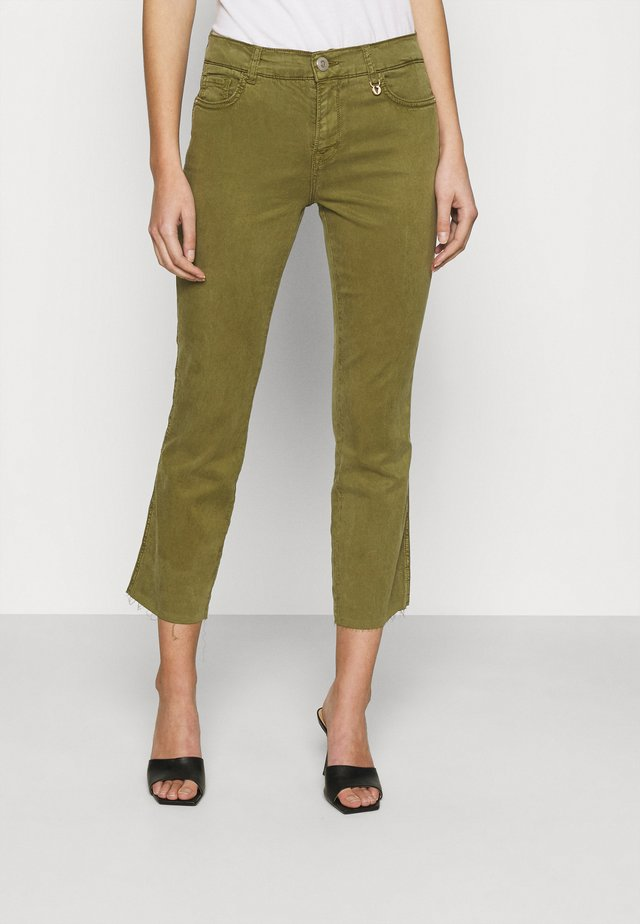 ASHLEY AIR PANT - Kalhoty - capulet olive