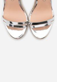 Even&Odd Wide Fit - Sandalias de tacón - silver - 5