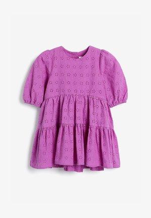 BRODERIE - Korte jurk - purple