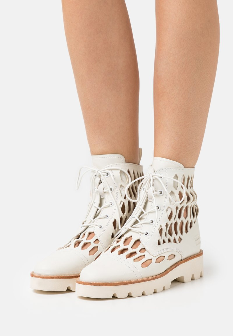 Melvin & Hamilton - SELINA 51 - Lace-up ankle boots - white/natural/offwhite