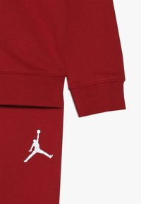 Jordan - JUMPMAN AIR SET - Tracksuit - gym red - 3