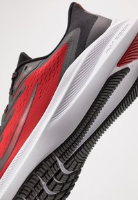 Nike Performance - ZOOM WINFLO 7 - Neutral running shoes - university red/black/white - 5