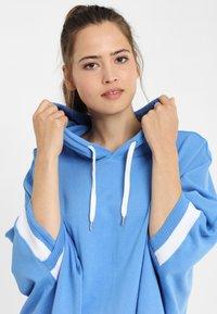 PONCHO COMPANY - Hoodie - blue - 2