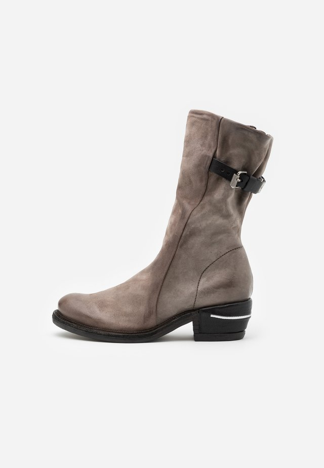 Botas camperas - smoke/nero