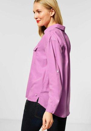MIT RAFFUNGEN - Button-down blouse - rosa