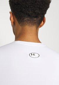 Under Armour - Camiseta de deporte - white // black - 4
