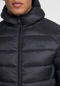 Jack & Jones - JJEBOMB PUFFER HOOD - Winter jacket - black - 4