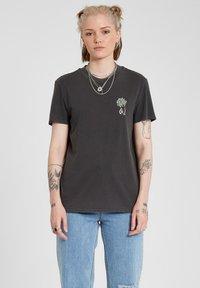 Volcom - LOCK IT UP TEE - Print T-shirt - black - 0
