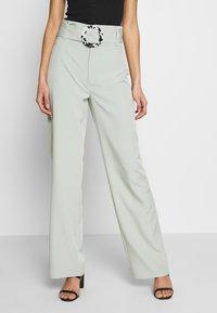 Missguided - BELT DETAIL STRAIGHT LEG TROUSERS - Pantalones - mint - 0