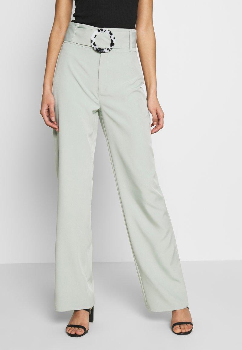 Missguided - BELT DETAIL STRAIGHT LEG TROUSERS - Pantalones - mint