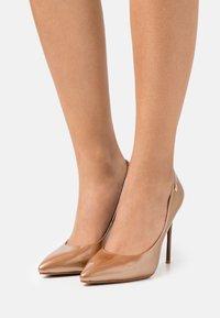 Laura Biagiotti - Classic heels - copper - 0
