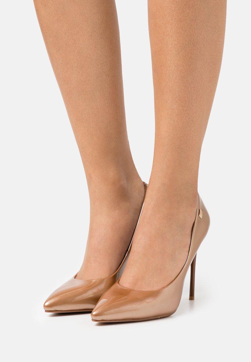 Laura Biagiotti - Classic heels - copper