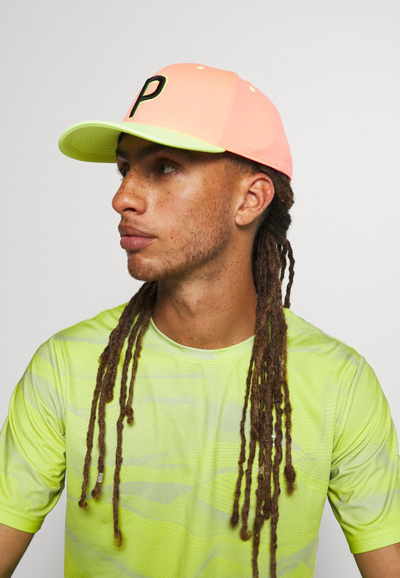 Puma Golf - ONLY SEE GREAT - Casquette - peach/fizzy yellow
