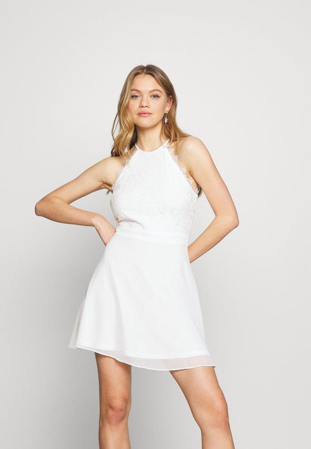 ADORABLE SPORTSCUT DRESS - Korte jurk - white