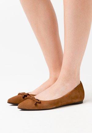 ABENO - Ballet pumps - cobnut
