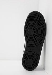 Nike Sportswear - COURT BOROUGH 2  - Sneakers basse - white/black - 4