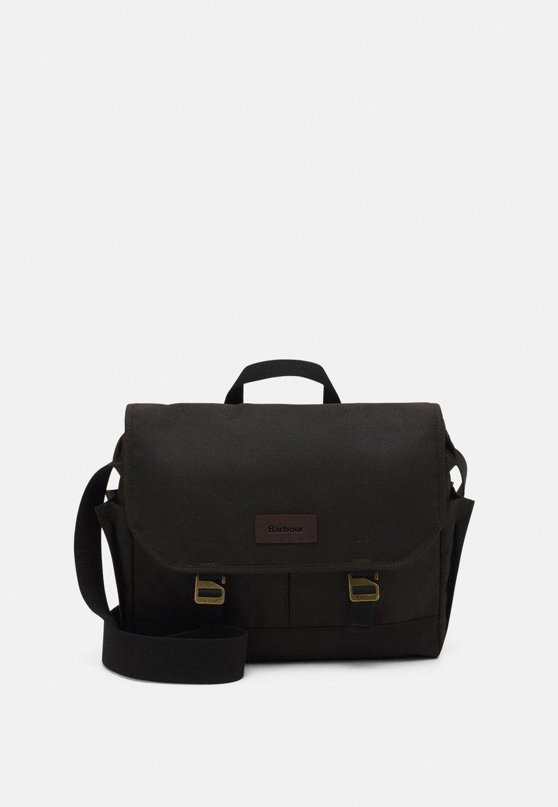 Barbour - ESSENTIAL MESSENGER BAG UNISEX - Taška na laptop - olive