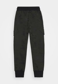 Blue Effect - BOYS CARGO HOSE - Tracksuit bottoms - army green - 1