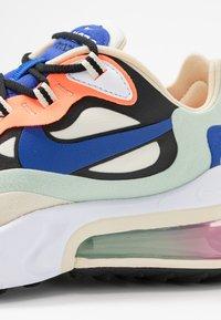 Nike Sportswear - AIR MAX 270 REACT - Sneakers laag - fossil/hyper blue/black/pistachio frost/fire pink/hyper crimson - 2