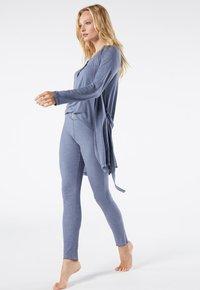Intimissimi - GERIPPTE LEGGINGS AUS MODALMIX - Leggings - Trousers - soft avio mel - 1