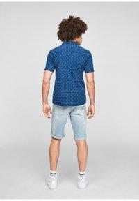 QS by s.Oliver - EXTRA SLIM - Shirt - blue aop - 2