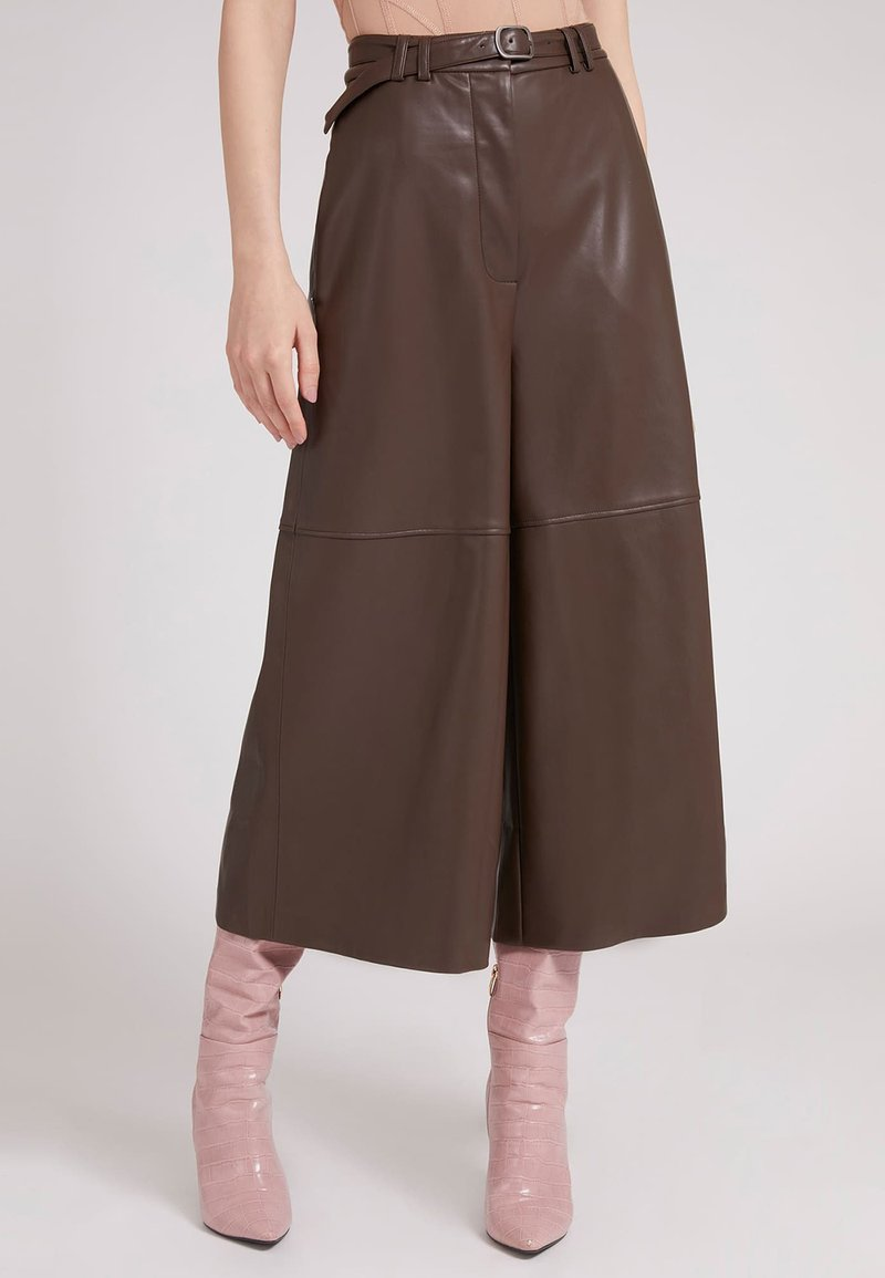 Guess - Leather trousers - braun