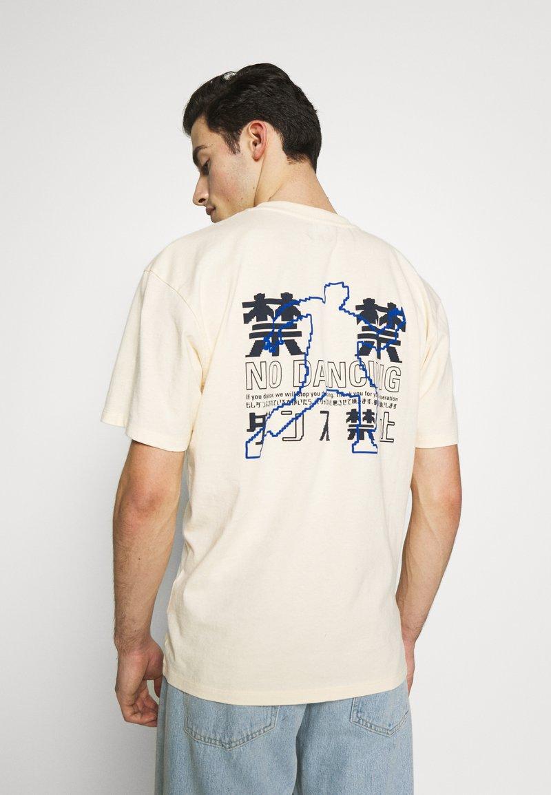 Edwin - NO DANCING  - T-shirt con stampa - vanilla