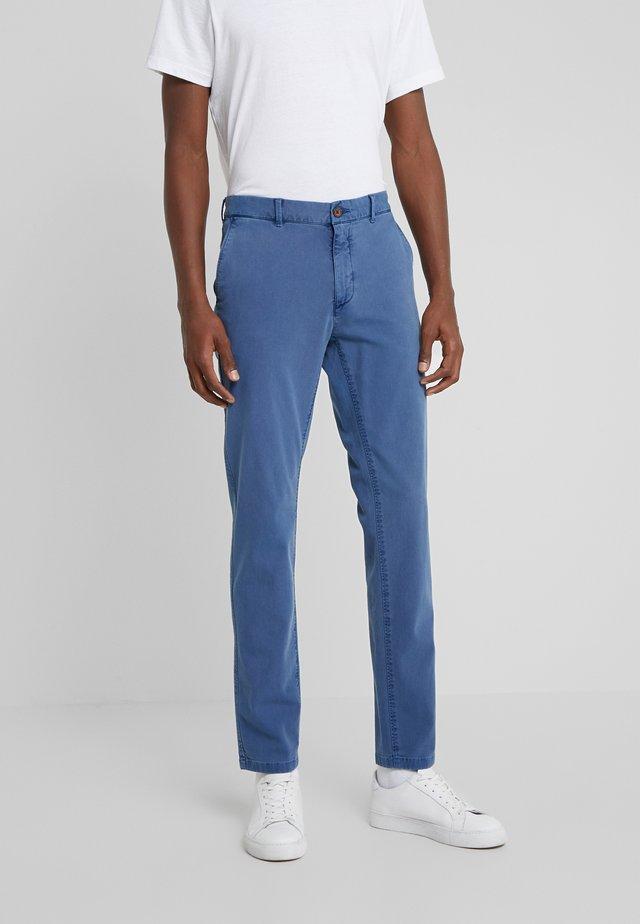 DYE STRETCH - Pantalones chinos - marina