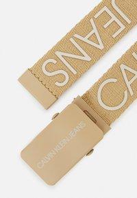 Calvin Klein Jeans - LOGO BELT UNISEX - Ceinture - beige - 1