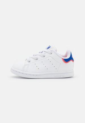 STAN SMITH UNISEX - Tenisky - footwear white/bold blue