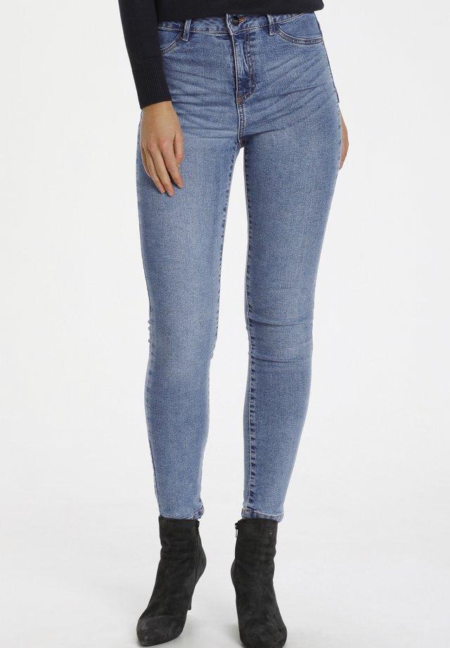 TINNASZ - Jeans Skinny Fit - light blue denim