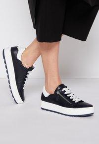 Gabor Comfort - Sneakers laag - midnight/weiß - 0