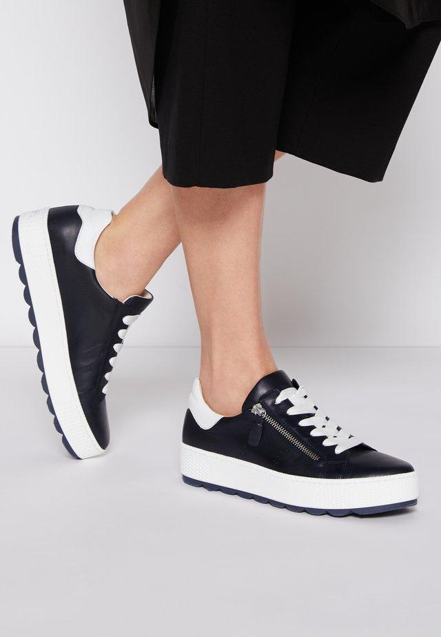 Sneakers basse - midnight/weiß