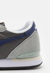 Diadora - ICONA UNISEX - Sneakers - high-rise/charcoal grey/blue - 5