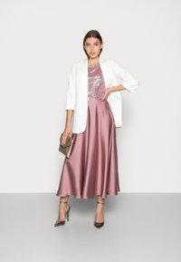 Swing - A-line skirt - pale lipstick - 1