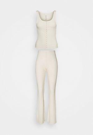 BUTTON DOWN PANT SET - Pyjama set - buttermilk rub
