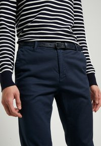 Scotch & Soda - STUART - Chinot - navy - 3