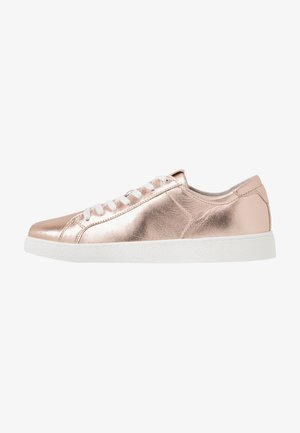 LACE UP - Baskets basses - rose metallic