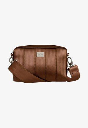 KASTE - Olkalaukku - copper brown
